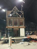 decor anne frank musical 140